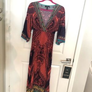 Long maxi, with tribal print.